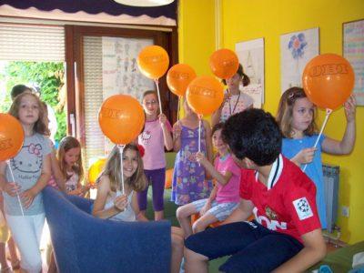 Djeca oslikala Dječju kuću Borovje