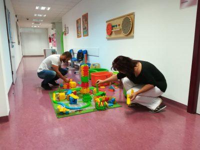 I roditelji se u Poliklinici igraju, bude dijete u sebi