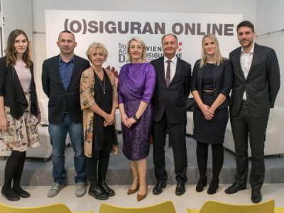 Round table Safe (and Insured) Online about the safety of children on the Internet