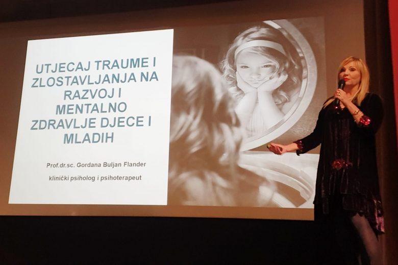 Na skupu o mentalnom zdravlju djece u Petrinji