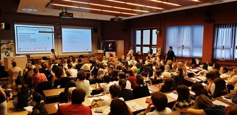 Great Turnout at the Karen and Nick Woodall's Public Lecture On Parental Alienation for Experts in Zagreb