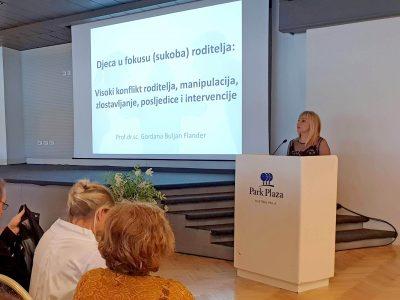 Edukacija stručnih suradnika u obrazovnim ustanovama i stručnjaka koji pomažu rizičnim skupinama djece u Istarskoj županiji