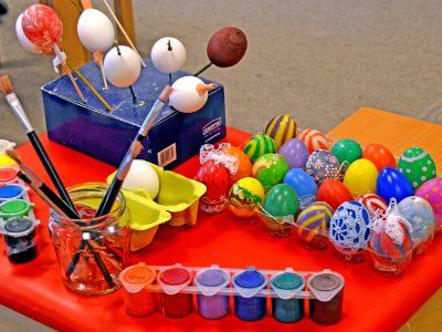 #ostanidoma: Nemamo se čime igrati? Učimo o Uskršnjim običajima i igrama